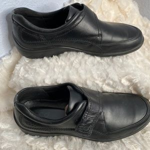 ECCO black loafer casual shoes size 42/12 women's